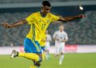 """Zviedrijas talants Īsaks atraida """"Real"""" un pievienojas Dortmundes """"Borussia"""""""