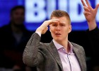"""""""Knicks"""" izmanto iespēju un pagarina līgumu ar Porziņģi līdz 2019. gadam"""