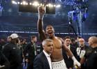 Video: Džošua un Kļičko skatītājiem sagādā izcilu boksu, brits triumfē