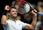 """Dimitrovs debijas reizē iekļūst """"ATP Finals"""" pusfinālā"""