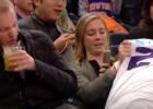 Video: NBA jocīgākie momenti: spēlētājs uzgāžas skatītājiem