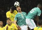 Brazīlija viesos pārspēj Vāciju, Spānija iesit sešus un pazemo Argentīnu