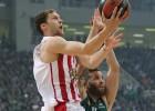 """Strēlnieks produktīvs, """"Olympiakos"""" spēcīgs pirmais puslaiks un 2-2 Grieķijas finālā"""
