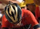 """Nibali pēc sadursmes ar policijas motociklu izstājas no """"Tour de France"""" velobrauciena"""