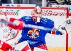 """Kalniņš atvaira visus 36 metienus un nostāv sausā pret """"Lokomotiv"""""""
