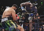 Vailders jau pirmajā raundā nokautē pretinieku un aizstāv WBC titulu