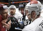 """Rīgas """"Dinamo"""" beidzot iemet vairākumā, taču zaudē arī KHL pastarīšu duelī"""