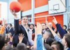 Valsts prezidents studēs, lai kļūtu par basketbola treneri bērniem