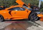 """Bijušais F1 pilots Zutils Monako sadauza 2 miljonus dolāru vērtu """"McLaren"""""""