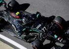 Botass ar jaunajām riepām pārspēj Hamiltonu pirmajā F1 treniņā