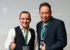 ''Rubin'' treneris Sluckis Jaunā gada apsveikumā parāda dziedāšanas talantu