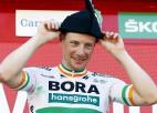 """""""Vuelta a Espana"""" 14. posmā uzvaru izcīna īrs Benets, kopvērtējuma līderis aizvien Rogličs"""
