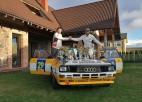 Brāļi Velmes šķiras no savas leģendārās ''Audi Quattro A2'' automašīnas
