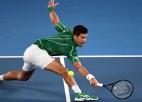 "Džokovičs svin 900. uzvaru, Federeram ""Australian Open"" turnīru rekords"