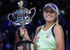"""Kenina atspēlējas pret Mugurusu un kļūst par """"Australian Open"""" čempioni"""