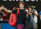 Federers pēc atkārtotas ceļgala operācijas šogad vairs nespēlēs