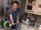 Video: Koronavīrusa izraisītie ierobežojumi neaptur īstus sporta karsējus