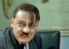 """Video: """"Ādolfs Hitlers"""" uzzina, ka Latvijas futbola Virslīga vēl nesāksies"""