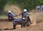 Brāļi Daideri un Macuks triumfē sezonas pirmajā motokrosā