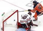 """Arī Makdeividam <i>hat-trick</i>, mājiniece Edmontonas """"Oilers"""" panāk izlīdzinājumu"""