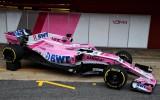 """Foto: """"Force India"""" Barselonā oficiāli prezentē jauno F1 modeli"""