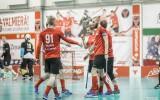 """Foto: """"Valmiera"""" pārliecinoši pārspēj """"EMU SK"""""""