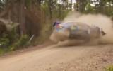Video: Rallija braucēja pamatīgi sadauza auto pret siena ķīpu