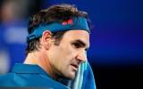 Video: Pat leģendām vajag akreditāciju: Federers netiek garām apsargam