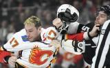 Video: 100 kilogramu un vairāk: NHL izkaujas supersmagsvari Lučičs un Makdermids