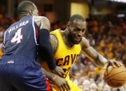 """""""Cavaliers"""" uzvar papildlaikā un ar 3:0 sērijā tuvojas NBA finālam"""