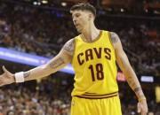"""""""Cavaliers"""" aizmaina Heivudu un Milleru uz Portlendu"""