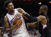 """""""Clippers"""" izglābjas no -19 Filadelfijā, """"Kings"""" trīs spēlēs ielaiž 376 punktus"""