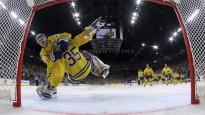 Zviedrija pēcspēles metienos sakauj Kanādu un kļūst par čempioni