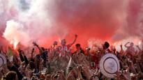 """Tūkstošiem fanu svin PSV """"Eindhoven"""" atgriešanos Nīderlandes čempiones godā"""