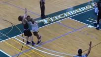 Ar elkoni pa galvu: basketbolists nokdaunē pretinieku