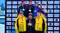 Bobslejisti un skeletonisti laimīgi par medaļām Eiropas junioru čempionātā
