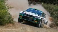Brazīliešu ekipāža ''Rally Liepāja'' treniņos pamanās noskriet no ceļa