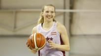 """Laura Ikstena: """"Polijā spēlēju pie Bagatska un Vecvagara trenera"""""""