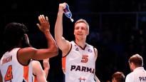Mejeris nobloķē bijušo NBA spēlētāju un iekļūst VTB sezonas momentos