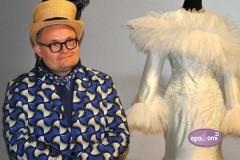 """Video: Virtuāls ceļojums modes vēsturnieka A. Vasiļjeva izstādē """"Pieradinātā daba"""""""