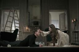 """Liepājas teātrī pirmizrādi piedzīvo stāsts par ilgām """"Heda Gablere"""""""