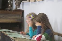 """Latvijas Nacionālajā vēstures muzejā notiks nodarbība bērniem """"Senā skola"""""""