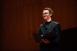 """""""Simfoniskais hits ar Goran Goru"""" – skaņas vadīta pastaiga 19. gadsimta mākslas izstādē"""