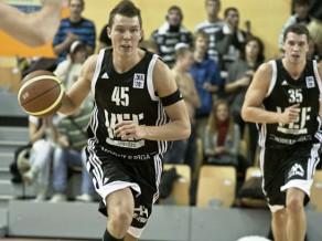 VEF atspēlējas no -17 un uzvar Lietuvā