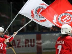 PC + : Čehova nepaliek atbildi parādā Sibirj un iegādājas rūdīto Blackhawks fārmkluba aizsargu Braianu Feihi!