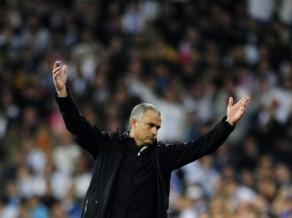 """Mourinju: """"Sezonas svarīgākajā spēlē bijām noguruši, bet pretiniece spēlēja svaigāka"""""""