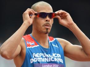 Sančess atkārto Atēnu triumfu un uzvar 400 metros ar barjerām