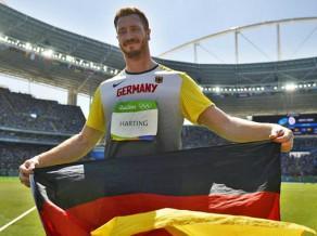Olimpiskais čempions aicina Bahu atkāpties