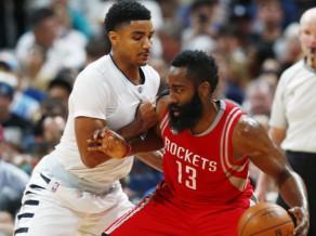"Hārdenam vēlreiz ""triple-double"" ar 40 punktiem, ""Clippers"" +30 pret Klīvlendu"