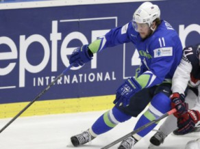 Kopitars nebrauks uz čempionātu, Slovēnija vēlreiz uzvar ungārus